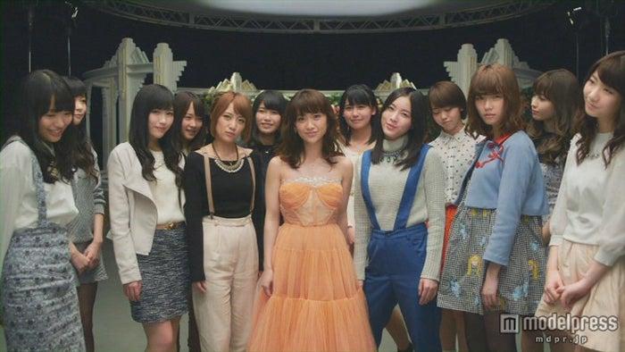 大島優子、卒業曲MVに卒業生も集結(C)AKS