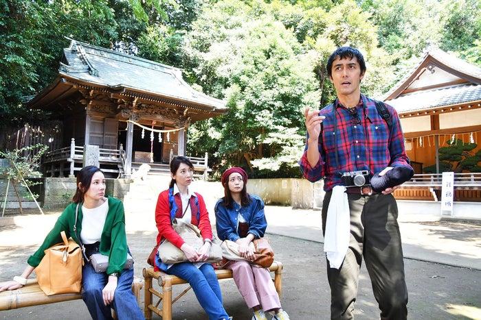 (左から)吉田羊、稲森いずみ、深川麻衣、阿部寛(C)カンテレ