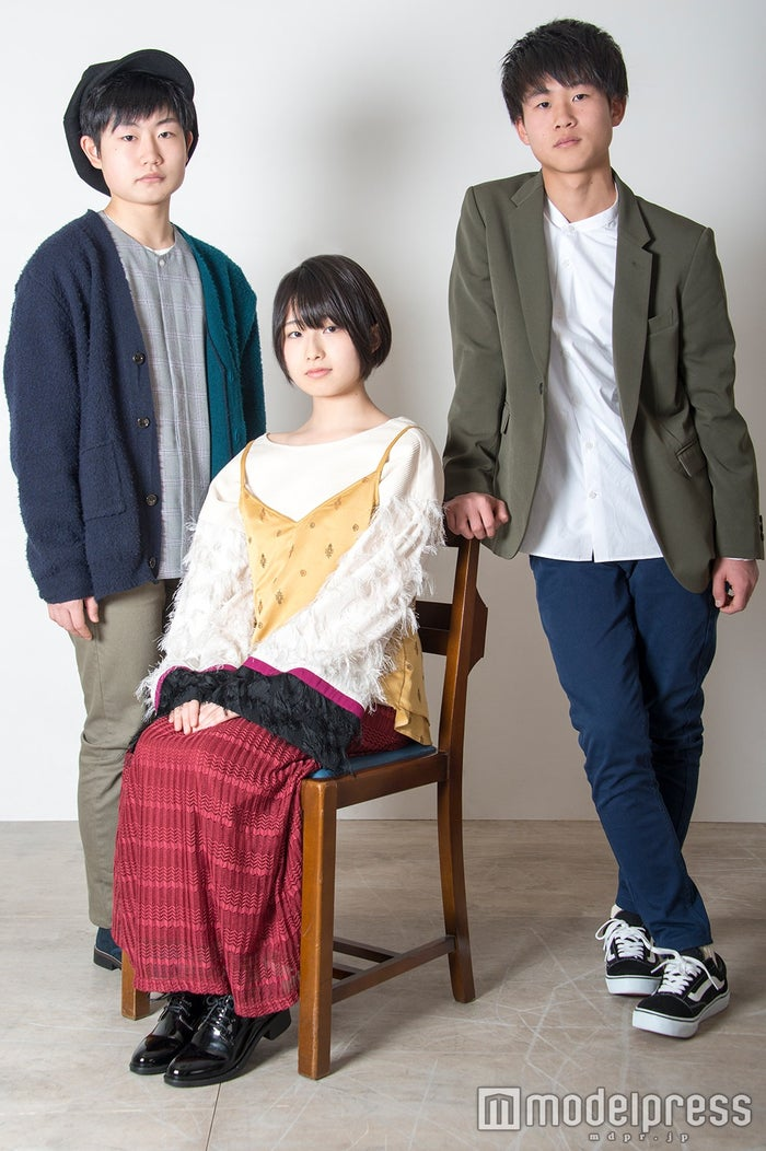 高校生バンド「No title」が7000万人の頂点に 結成1年でデビューへ/(左から)ポチ(ゆうと)、ほのか、あんべ(C)モデルプレス