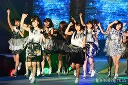 乃木坂46のライブパフォーマンスに会場熱狂 「制服のマネキン」「ガールズルール」などヒット曲披露<GirlsAward 2016 S/S>