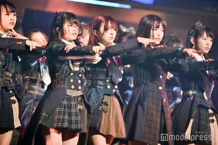 チーム4による「サイレントマジョリティー」/「AKB48 チーム4単独コンサート~友達ができた~」 (C)モデルプレス