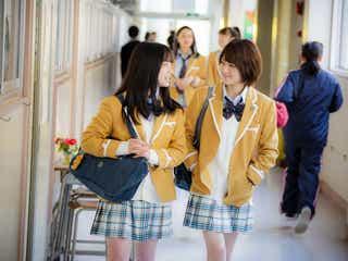 橋本環奈&若月佑美、親友ぶり際立つ撮影裏側公開<シグナル100>