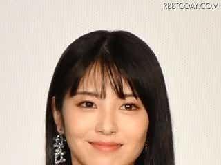 『ウチ彼』浜辺美波×福原遥の美女オフショットにいいね多数!