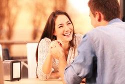 危険な恋にはまりやすい女性が持つ手相3線