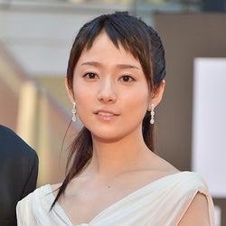 木村文乃「愛に溢れてる作品」ロングドレスで大人の色気