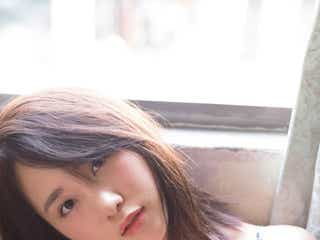 "AKB48高橋朱里、ランジェリーで""グループ随一""美バスト披露<曖昧な自分>"