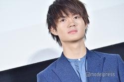 M!LK佐野勇斗「髪を染めました」イメチェンに絶賛の声「めっちゃかっこいい」「超似合ってる」