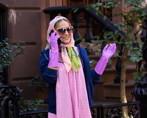 サラ・ジェシカ・パーカー、キャリー・ブラッドショー流のロックダウン・ファッションで撮影!?
