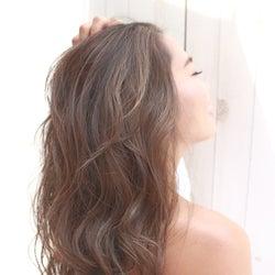 ボリュームがおさまらない…髪が多い人におすすめなシャンプー&コンディショナーって?