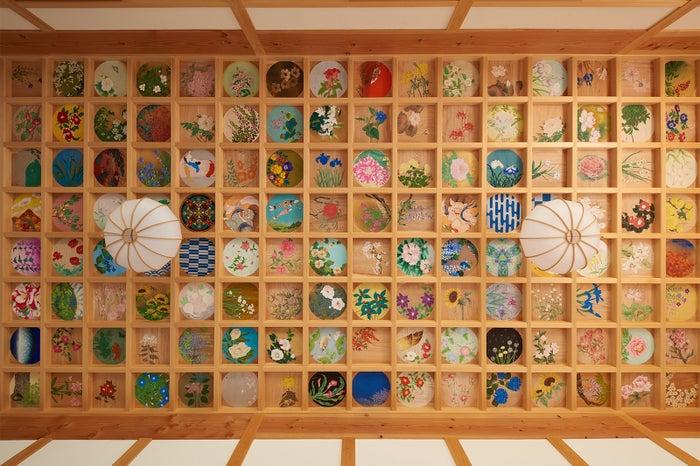 """160枚もの絵が天井を埋め尽くす「正寿院」の""""天井画""""/画像提供:京都センチュリーホテル"""