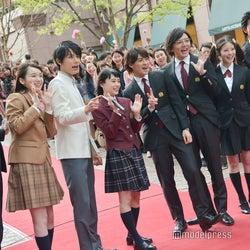 杉咲花×King & Prince平野紫耀×中川大志ら「花のち晴れ」イベントに応募者殺到 レッドカーペットに黄色い歓声