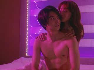 田中みな実、ラブシーンで小池徹平を誘惑 色仕掛けの怪演が話題「エロい」「怖すぎ」<奪い愛、夏>