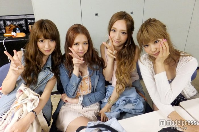 JJ専属ブロガーモデル(左から)大口智恵美、田中美彩、三井智雅、筆岡裕子