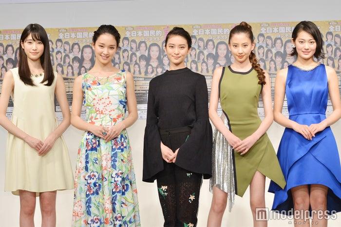 (左から)高橋ひかる、剛力彩芽、武井咲、河北麻友子、吉本実憂 (C)モデルプレス