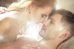 エロすぎ!男性がとろけるキス7つのステップ