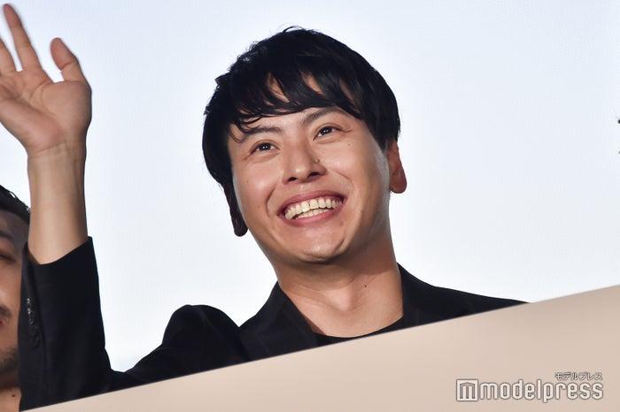 笑顔の山下健二郎 (C)モデルプレス