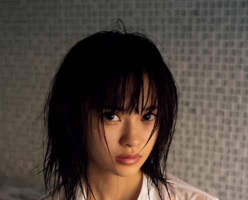 """""""関東一かわいい女子高校生""""中森千尋、決意の初水着で美谷間くっきり"""