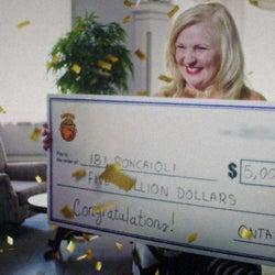 宝くじ高額当選で人生転落した女性…5億円がもたらした波乱の運命とは?