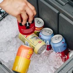真夏の炎天下でも、8日間氷が溶けないクーラーボックス。アウトドアでビール、ナマモノ、アイスを冷えたまま楽しめる