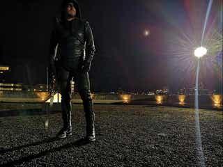 DCドラマ『ARROW/アロー』がついに撮影終了、キャストたちそれぞれの想い