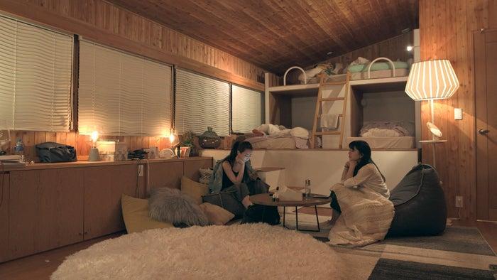 麻由、優衣「TERRACE HOUSE OPENING NEW DOORS」24th WEEK(C)フジテレビ/イースト・エンタテインメント