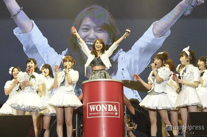 スペシャルライブ「WONDA presents AKB48 非売品ライブ」より