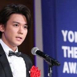 小瀧望 演劇で評価され杉村春子賞を受賞!「僕の人生において、かけがえのない財産」