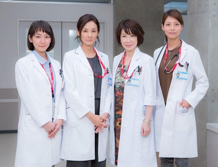 (左から)吉岡里帆、吉田羊、伊藤蘭、相武紗季(画像提供:関西テレビ)