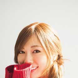 モデルプレス - 乃木坂46白石麻衣、萌え袖ニットに胸キュン
