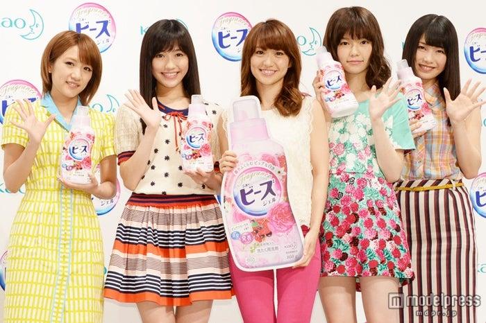左から:高橋みなみ、渡辺麻友、大島優子、島崎遥香、横山由依