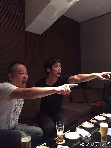 西島秀俊(右)(画像提供:フジテレビ)