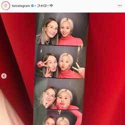 母親(左)とチェヨン(右)/TWICE Instagramより