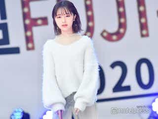 """""""いま日本の女の子が一番なりたい顔""""なえなの、ふわふわニットコーデが可愛い<超 FUJI-Q!2020 ~超十代の秋まつり~>"""