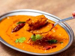 本場スパイスカレーに悶絶! 8人のインド人シェフによる140種以上の南インド料理を、虎ノ門で堪能