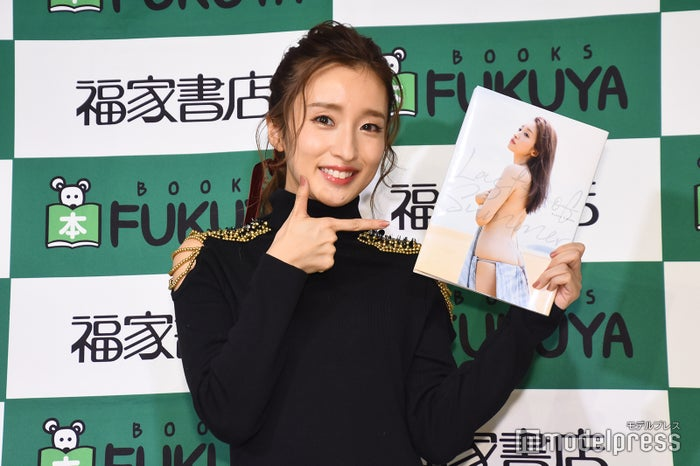梅田彩佳(C)モデルプレス