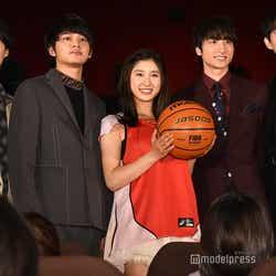 (左から)磯村勇斗、北村匠海、土屋太鳳、小関裕太、杉野遥亮(C)モデルプレス