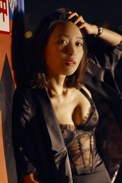 黒川芽以、セクシー下着で妖艶美