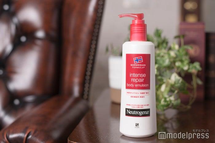 「ニュートロジーナ(R)」超乾燥肌用インテンスリペア ボディ エマルジョン 韓国製(C)モデルプレス