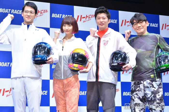 (左から)葉山奨之、武田玲奈、田中圭、飯尾和樹(C)モデルプレス
