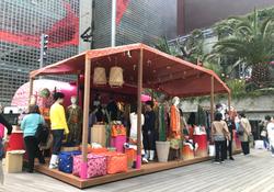 ロエベ 「パウラズイビザ」の期間限定店で日本縦断