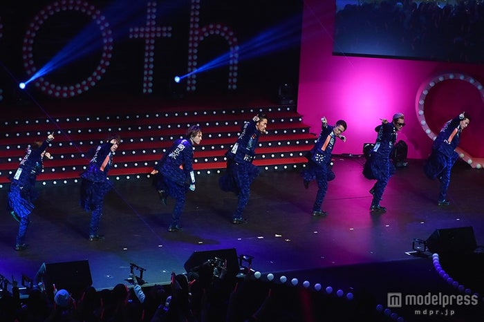 「R.Y.U.S.E.I.」でランニングマンを披露する三代目J Soul Brothers【モデルプレス】