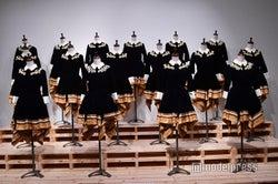 「2015 FNS歌謡祭」衣装/「乃木坂46 Artworks だいたいぜんぶ展」(C)モデルプレス