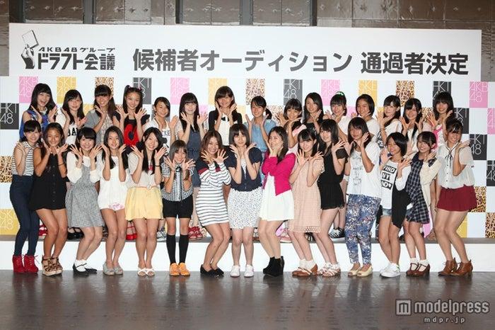 「AKB48グループ ドラフト会議」候補者30人(C)AKS
