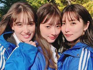 石川恋、トラウデン直美&宮本茉由との3ショット公開 「美しさで眩しい」