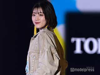 日向坂46佐々木美玲、ミニスカ姿にドキッ 笑顔で魅力全開<TGC2021 S/S>