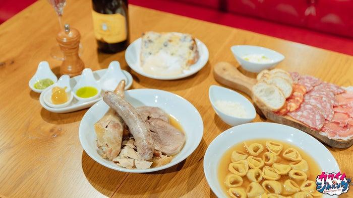 クリスマスディナー(イタリア)(写真提供:MBS)