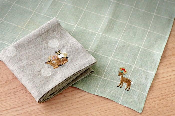 刺繍サービス(同店限定品)/画像提供:中川政七商店
