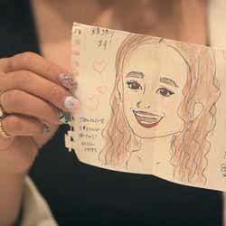 莉咲子が生徒からもらった似顔絵「TERRACE HOUSE TOKYO 2019-2020」5th WEEK(C)フジテレビ/イースト・エンタテインメント