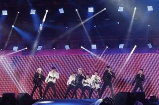 EXO、2度目のa-nationで圧巻ステージ EXO-CBXもサプライズで登場