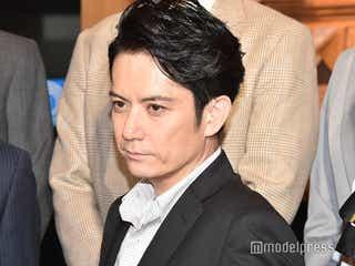 佐藤アツヒロ、主演舞台でジャニー喜多川さんの楽屋のれんを使用「これも運だな」<ブラックorホワイト?>